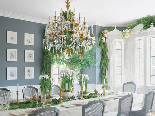 Greenery chandelier mcdonal veranda magazine elizabeth for Decoration veranda